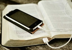 Bible Gateway Celebrates 25 Years Online by Revealing Remarkable