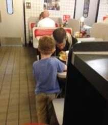 5-Year-Old Good Samaritan's Prayers Had Diners in Tears - Jeremy Burns  Josiahnman
